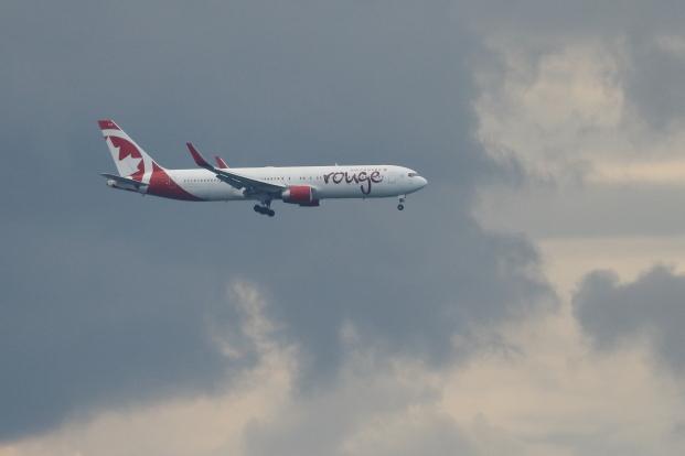 9X1A8670_C-FMWU_aircanada rouge_767-333ER.JPG